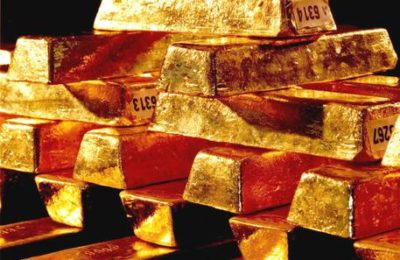 Una foto d'archivio senza data mostra lingotti d'oro nella Banca centrale della Repubblica federale tedesca a Francoforte sul Meno.  Non si ferma la corsa dell'oro sui mercati internazionale. Il metallo giallo vola verso un nuovo record a 1.283,38 dollari l'oncia. ANSA/HANDOUT  EDITORIAL USE ONLY