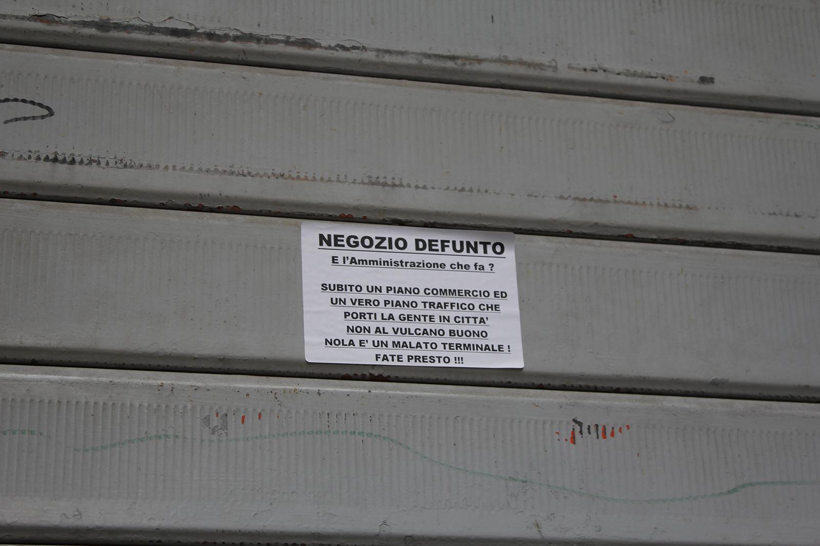 corso-tommaso-vitale-negozi-chiusi-12