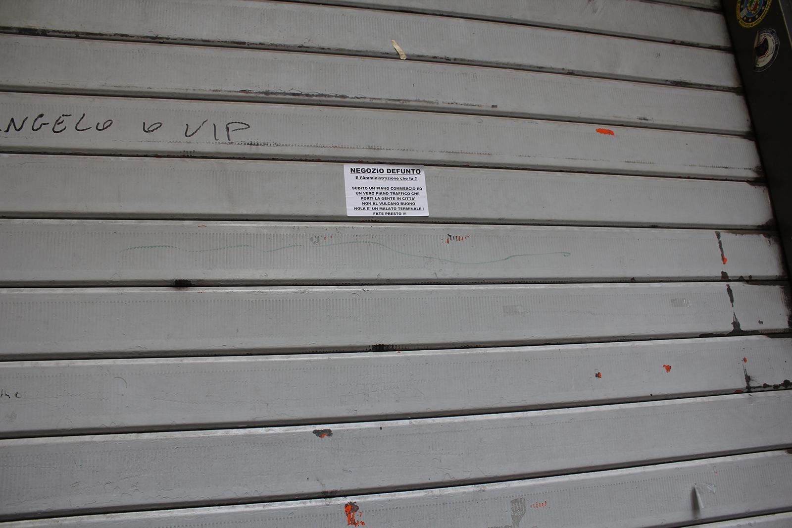 corso-tommaso-vitale-negozi-chiusi-8