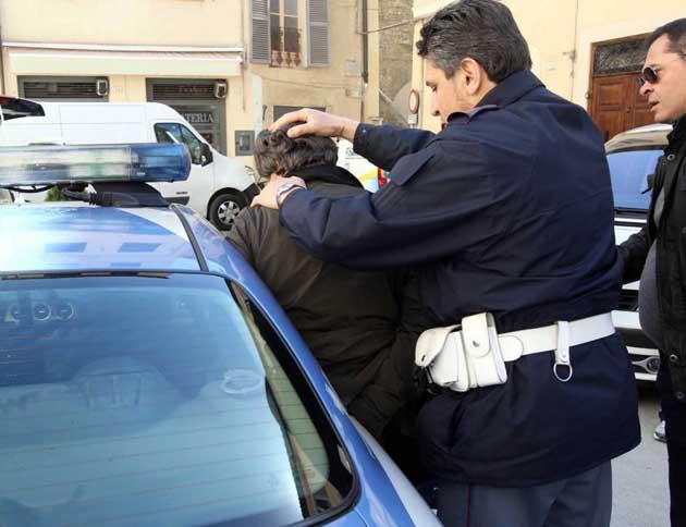 polizia-arresto2.jpg (630×484)