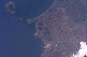 Campi Flegrei dall'alto (fonte foto NASA)