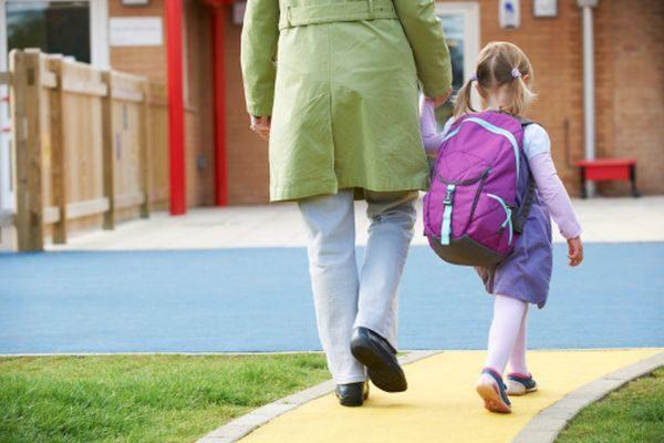 0c721bab92 Scuola, zaini troppo pesanti: rischio malformazioni