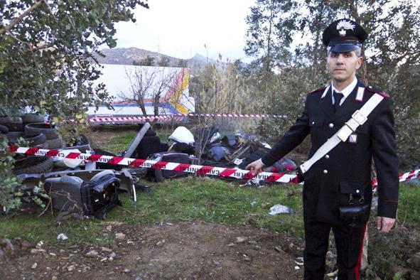Pneumatici oli esausti e parti di auto carrozziere for Corso carrozziere