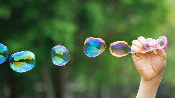 Risultati immagini per bolle di sapone
