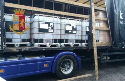 Autista greco viola divieto e trasporta materiale corrosivo: fermato sulla Tangenziale