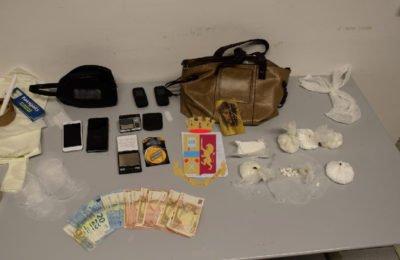 Giugliano, polizia arresta mamma e figlio per droga