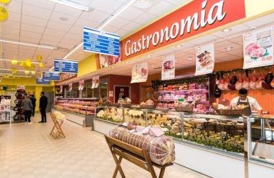 Nola, insulti ai clienti del supermercato e pugni ai carabinieri: arrestato